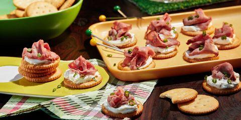 Dish, Food, Cuisine, Prosciutto, Bruschetta, Ingredient, Canapé, appetizer, Bayonne ham, Finger food,