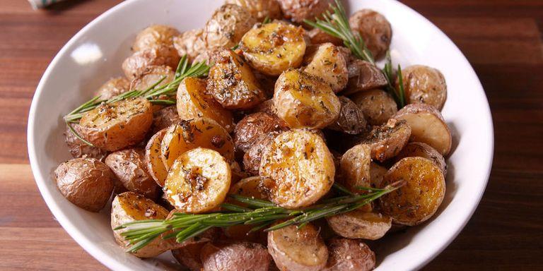 30 easy oven roasted potato recipes how to roast potatoesdelish chelsea lupkin forumfinder Choice Image