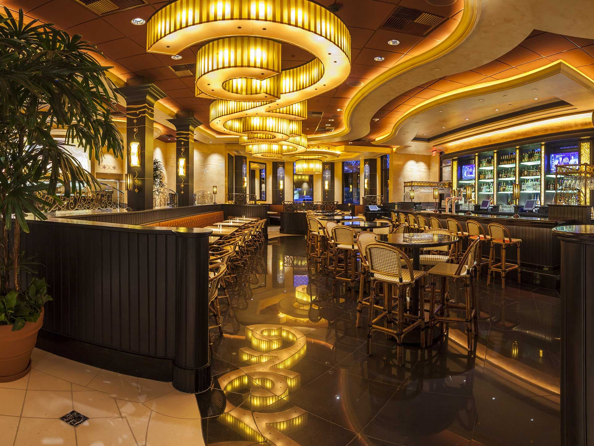 7 Things Cheesecake Factory Employees Want You to Know