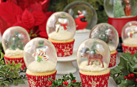 Snow Globe Cupcakes Are The Best Homemade Food Gift To Give This