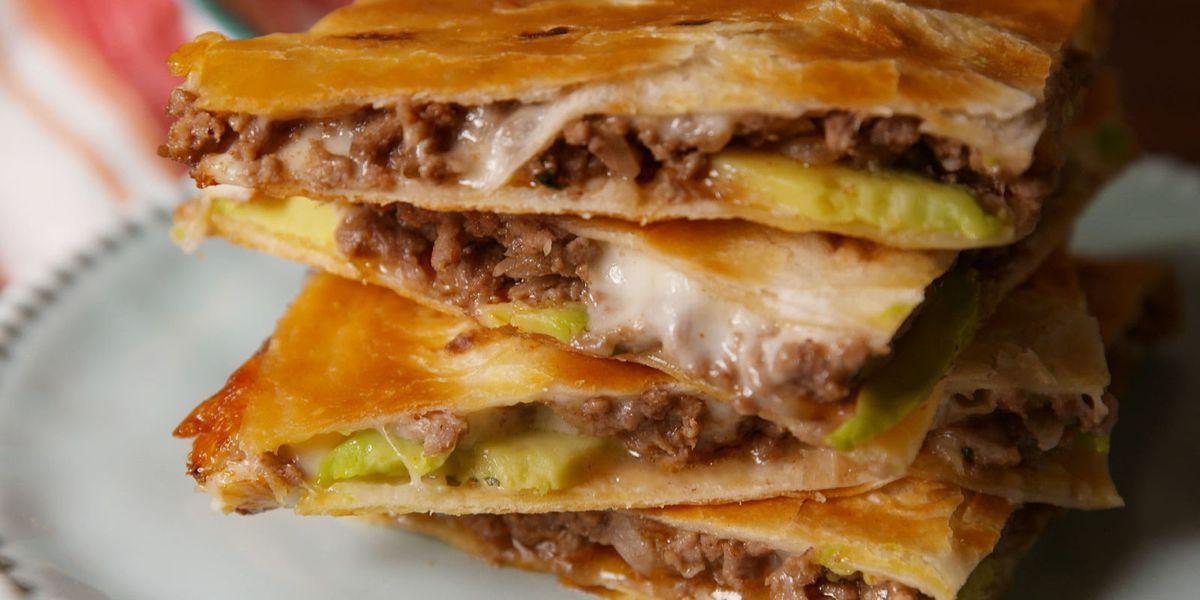 Easy Quesadilla Recipe How To Make Beef Quesadillas Delish Com