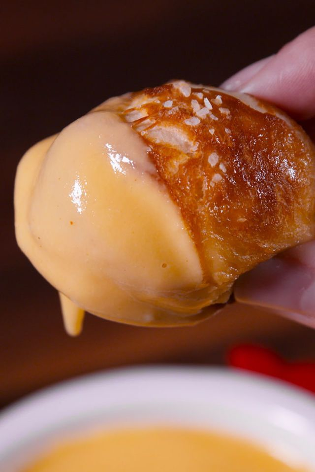 These Homemade Soft Pretzel Bites Give Auntie Anne A Run For Her Money