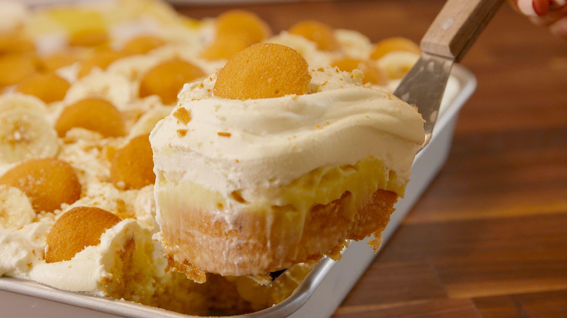 Unusual dessert without baking: cooking cake Broken glass