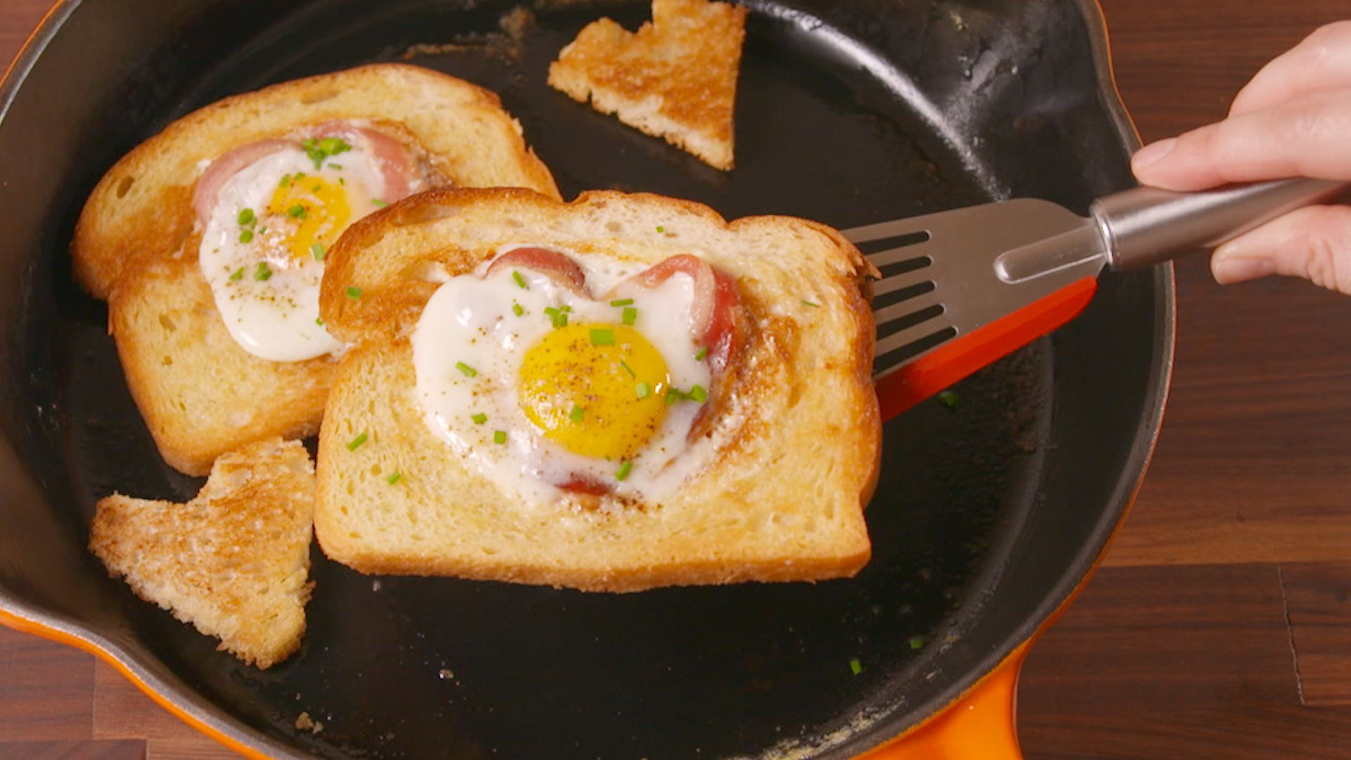 Best Heart Shaped Egg In A Hole How To Make Heart Shaped Egg In A Hole