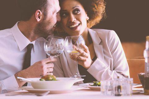 Drinkware, Serveware, Dishware, Glass, Shirt, Stemware, Tableware, Drink, Dress shirt, Champagne stemware,