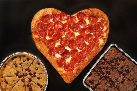 Pizza Hut Open Christmas Day.Pizza Hut Created The Ultimate Pizza For V Day