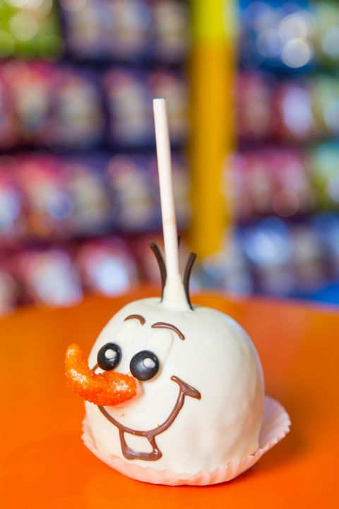 How To Make Mickey Caramel Apples Goofy S Candy Company Caramel Apples Delish Com