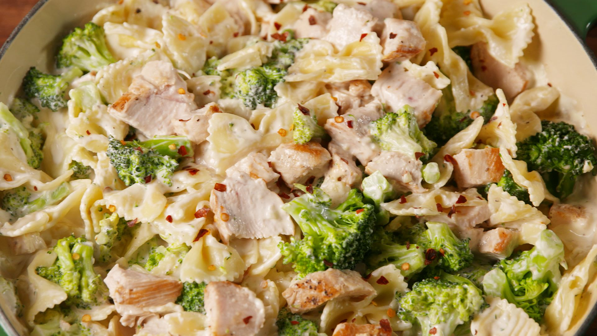 Creamy Chicken And Broccoli Pasta Bake-8081