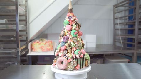 insane-wedding-cake