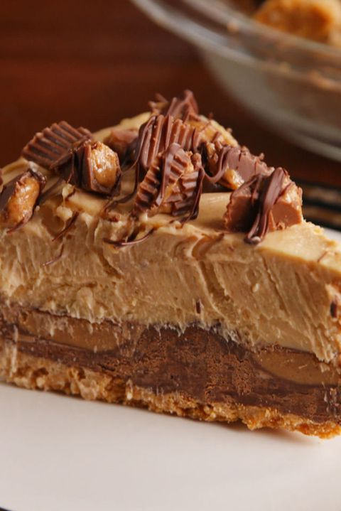 Reese's Stuffed Pie Vertical Slice