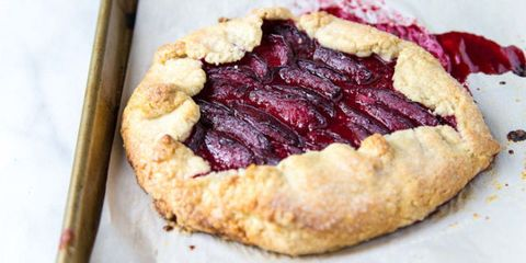 Dish, Food, Cuisine, Ingredient, Blackberry pie, Dessert, Baked goods, Pie, Crostata, Produce,