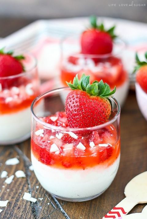 Strawberry White Chocolate Mousse Cups