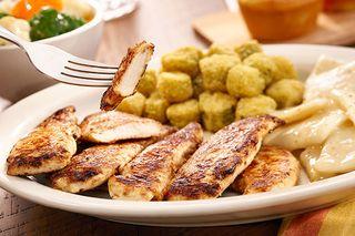 cracker barrel fried chicken salad calories