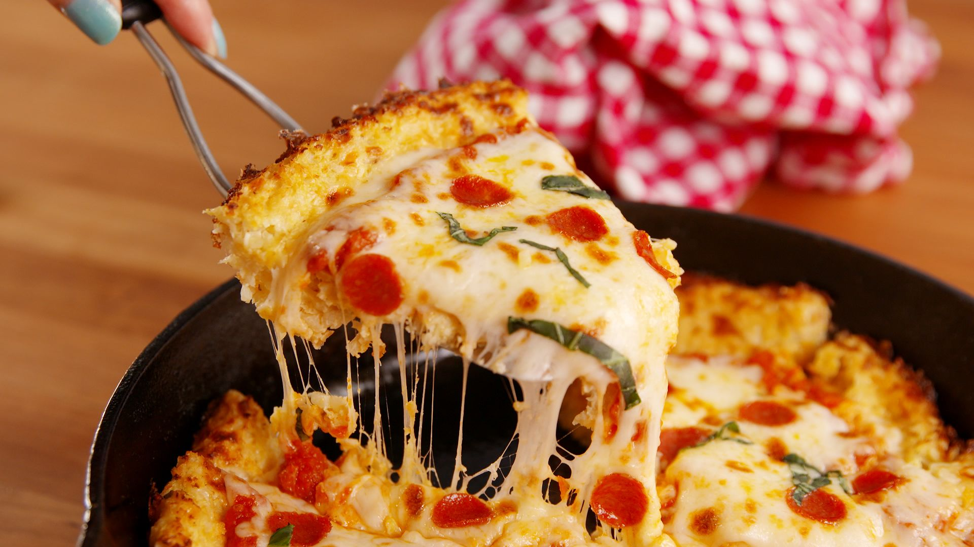Kết quả hình ảnh cho Deep-Dish Pizza