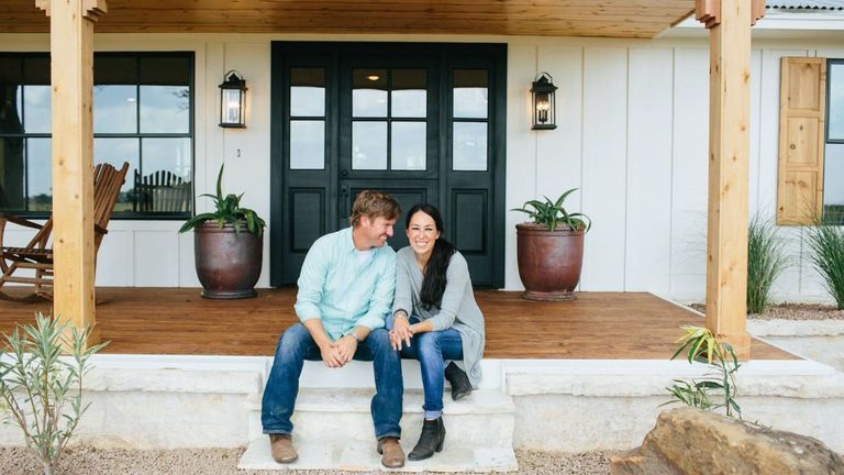 Things Youll Find In Every Fixer Upper Kitchen Delishcom