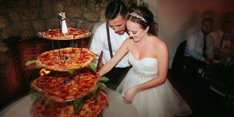 delish-wedding-pizza-cake