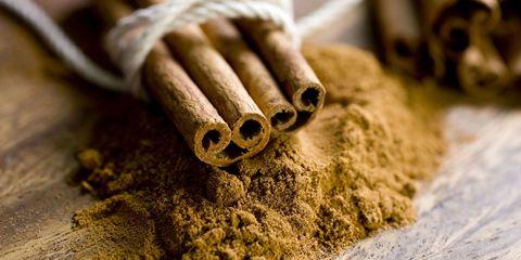 Cinnamon, Cinnamon stick, Spice, Plant, Chinese cinnamon, Herb, Laurel family,