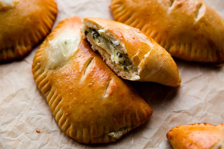 Hot Cheese And Spinach Stuffed Pockets Horizontal