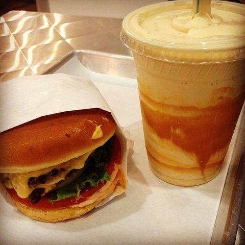Sandwich, Food, Finger food, Ingredient, Cuisine, Hamburger, Dish, Bun, Breakfast, Drink,