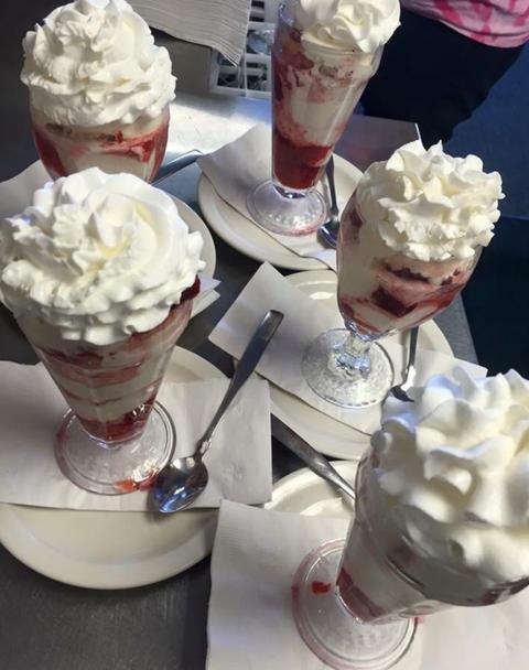 Food, Cuisine, Sweetness, Ingredient, Dessert, Ice cream, Frozen dessert, Dairy, Whipped cream, Vanilla ice cream,