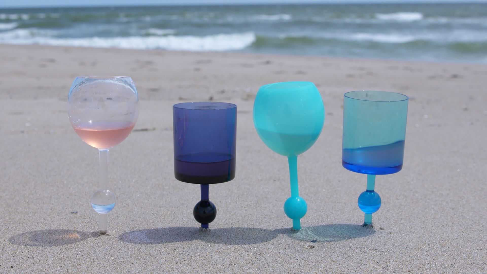 these beach wine glasses were invented by accident where to buy beach wine glasses - Floating Wine Glass