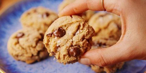 paleo chocolate chip cookies horizontal