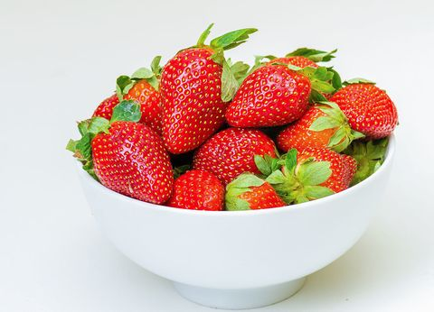 Strawberry, Strawberries, Natural foods, Fruit, Food, Berry, Frutti di bosco, Plant, Accessory fruit, Superfood,