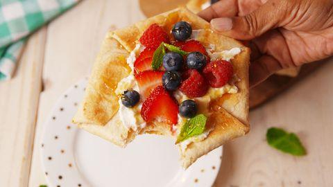 Dish, Food, Cuisine, Ingredient, Breakfast, Dessert, Produce, Frutti di bosco, Brunch, Finger food,