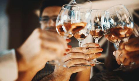 delish-wine-cheers