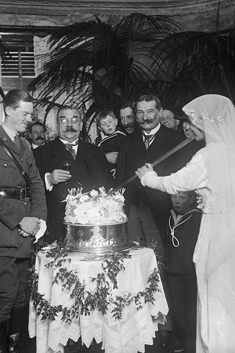 ウエディングケーキのトレンド100年史