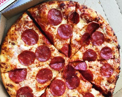 Dish, Food, Pizza, Cuisine, Pepperoni, Ingredient, Flatbread, Junk food, Pizza cheese, California-style pizza,