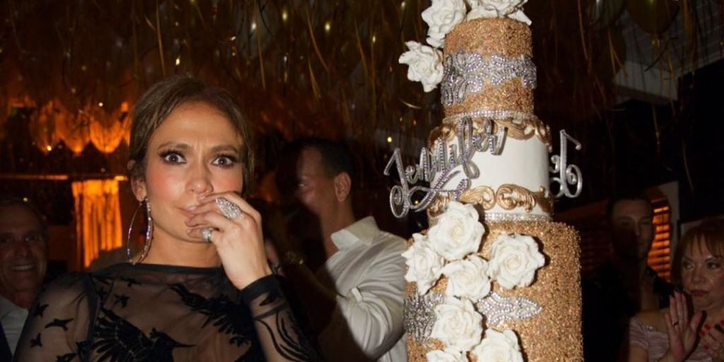 Jennifer Lopez Had The Most Incredible Gold Birthday Cake