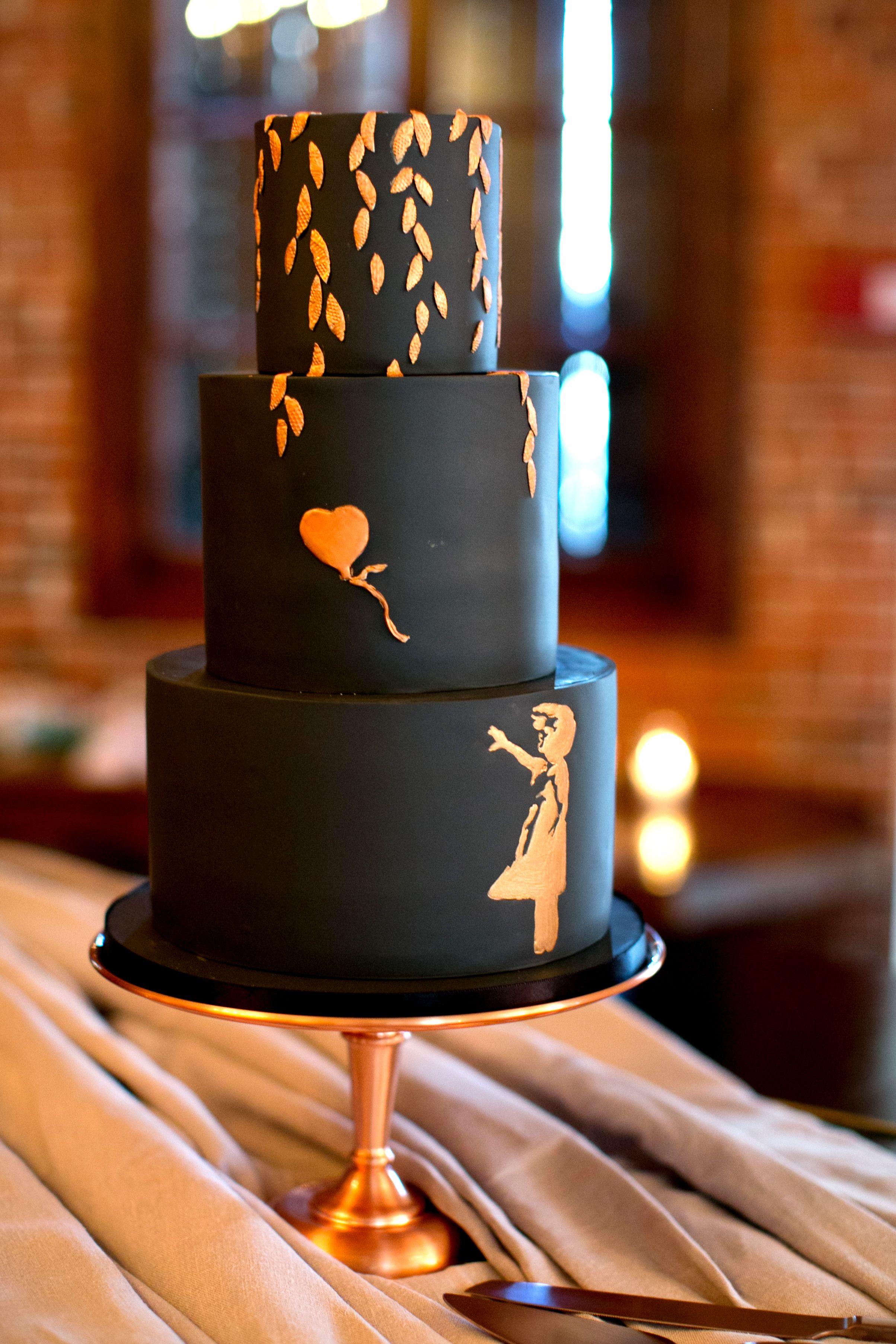 Black Wedding Cakes Are The Chicest New Wedding Trend Delishcom