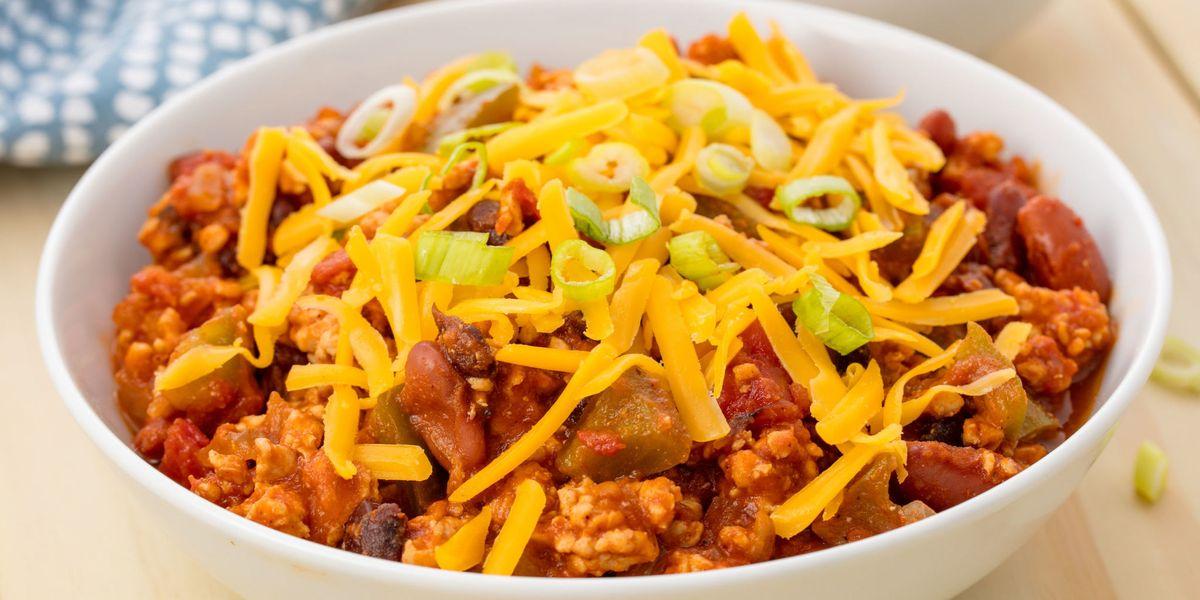 Easy Crockpot Turkey Chili Recipe How To Make Slow Cooker Chili Delish Com