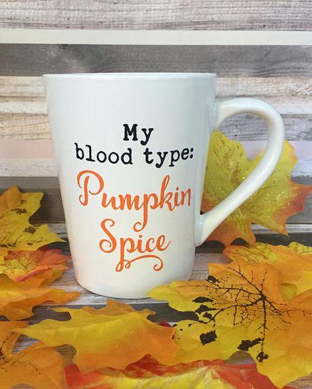 Leaf, Yellow, Mug, Coffee cup, Drinkware, Maple leaf, Cup, Cup, Tableware, Tree,