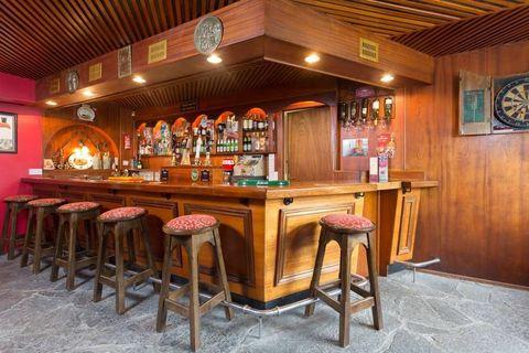 delish-irish-pub-airbnb