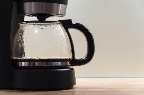 Small appliance, Home appliance, Vacuum coffee maker, Coffeemaker, Kettle, Glass,