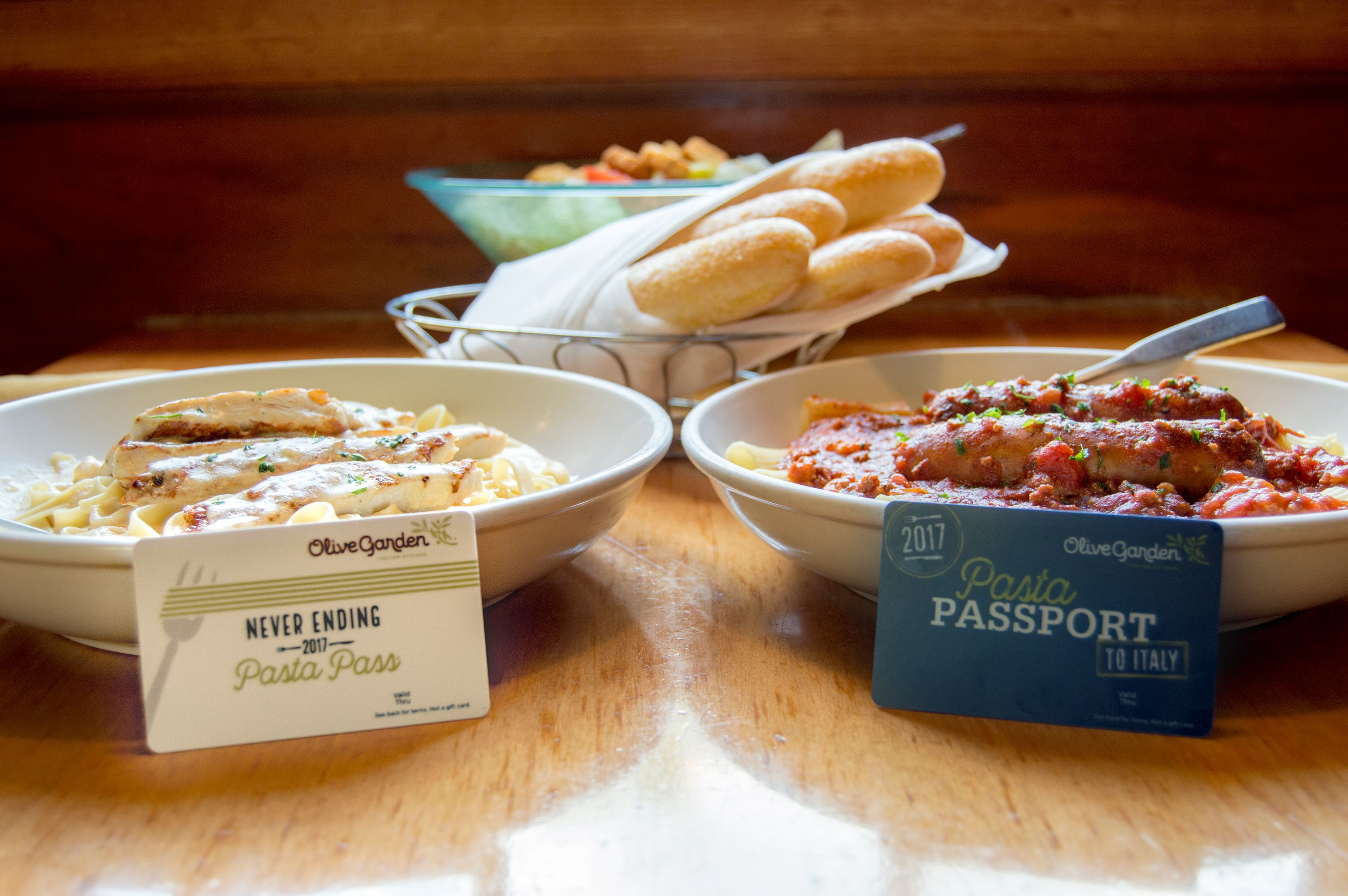 This Year\'s Olive Garden Pasta Pass Is A GAME CHANGER