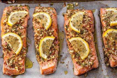 Broiled Salmon Horizontal