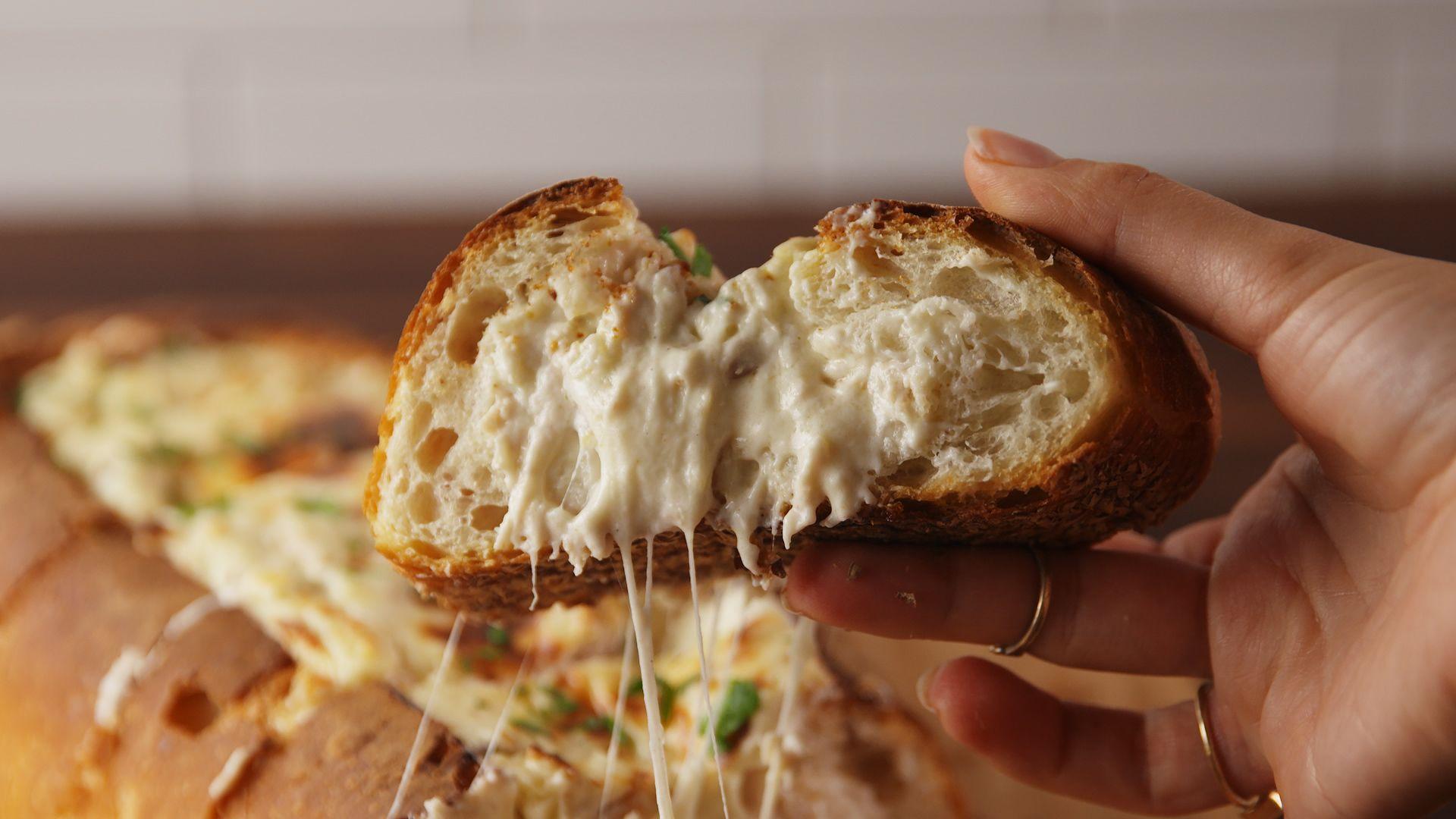 Best Chicken Alfredo Bread Boat Recipe How To Make Chicken Alfredo