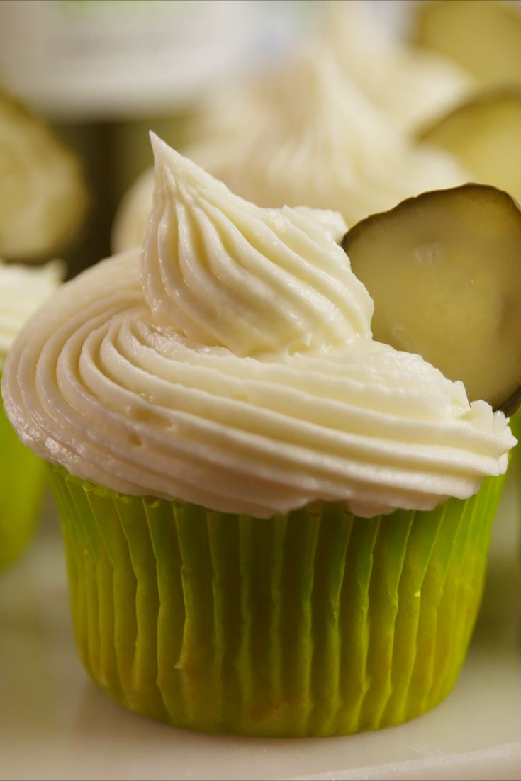 best pickle cucpake recipe - how to make pickle cupcakes