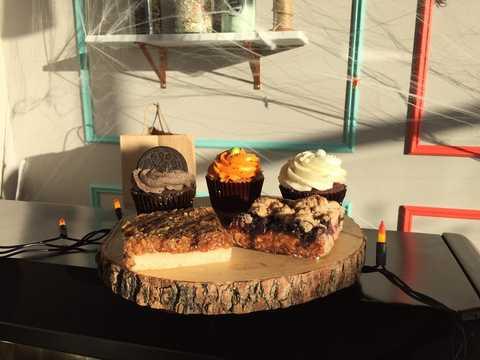 Table, Room, Interior design, Food, Furniture, Dessert, appetizer, Cuisine, Sweetness, Dish,