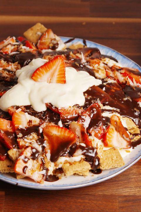 Cheesecake Nachos Vertical