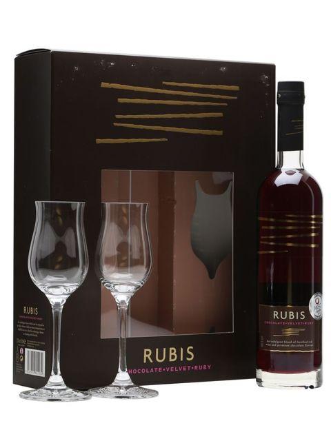 Drink, Alcoholic beverage, Glass bottle, Wine glass, Distilled beverage, Stemware, Bottle, Liqueur, Glass, Alcohol,