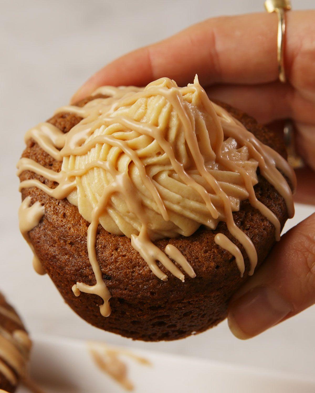 Caramel Gingerbread Cookie Cups