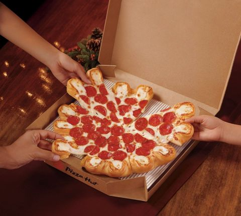 Pepperoni, Food, Pizza, Dish, Cuisine, Pizza cheese, Fast food, Junk food, Tarte flambée, Italian food,