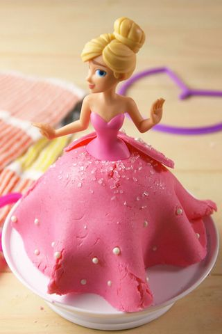 This Baking Kit Lets Kids Make Their Own Princess Cakes