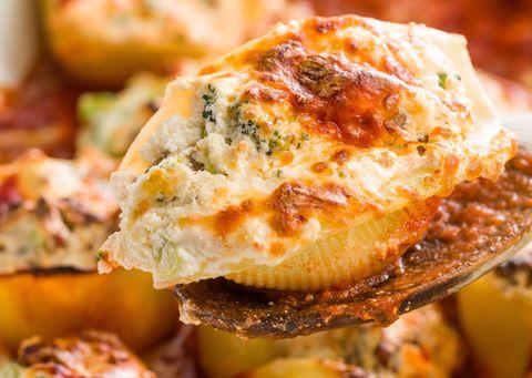 Broccoli-Sausage Stuffed Shells Horizontal