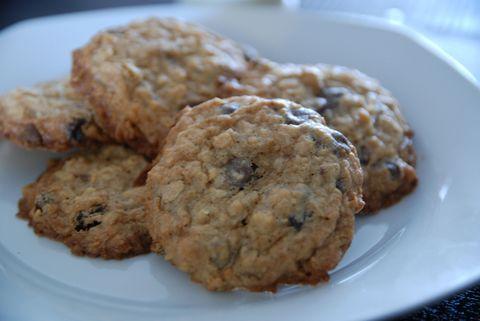 Food, Finger food, Cuisine, Biscuit, Cookies and crackers, Dessert, Baked goods, Dish, Cookie, Ingredient,