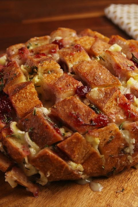 Best Cranberry Brie Pull-Apart Bread Recipe - How to Make ...